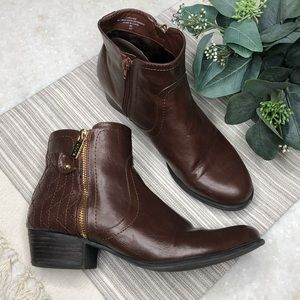 UNISA Brown Faux Leather Booties Size 9